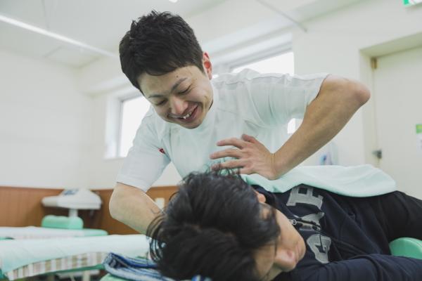 柔道整復師の仕事~スポーツ・開業・高齢者ケア~