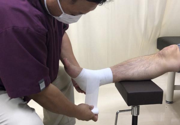ねんざを早く治す包帯の巻き方